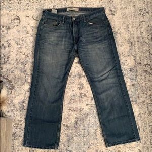 Men's Levi relaxed straight jeans